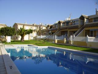 Two  bedroom ground floor apartment close to Villamartin plaza. - San Miguel de Salinas vacation rentals