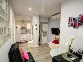Center Apartment with Swimming pool - Sitges vacation rentals