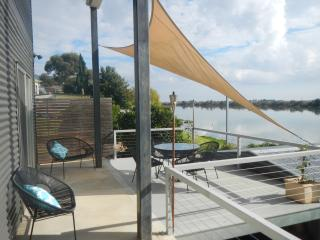 Washpool Retreat-Waterfront Living B&B - Tailem Bend vacation rentals