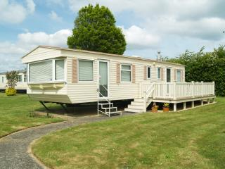 The Retreat - Escape the mainland - Saint Helens vacation rentals
