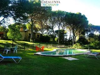 Charming and private five-bedroom villa in Santa Cristina d'Aro, just 5 min to the beach - Santa Cristina d'Aro vacation rentals