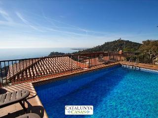 Modern villa in Blanes for 12 guests, with views of the Mediterranean Sea! - Blanes vacation rentals