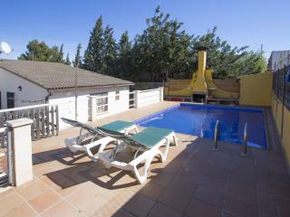 Angelic villa in Bellvei for 9 guests, only 3km from the beaches of Costa Dorada! - Costa Dorada vacation rentals