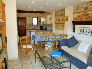 The Blue House, Catalan village 5km from the beach - Saint-Laurent-de-la-Salanque vacation rentals