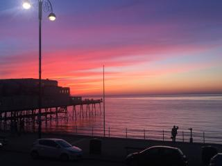 Awel Môr 1,  Relaxing Sea View, Aberystwyth - Aberystwyth vacation rentals