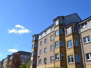 MODERN, SPECIOUS  HOLIDAY APARTMENT Edinburgh - Edinburgh vacation rentals