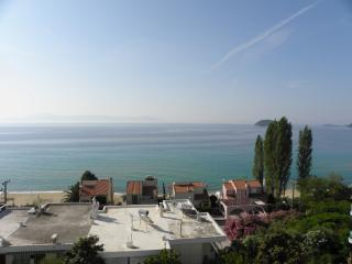 Detached house with a wonderful view - Palaio Tsifliki vacation rentals
