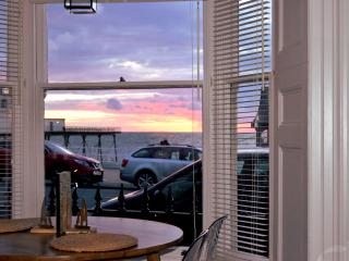 Romantic 1 bedroom Aberystwyth Apartment with Internet Access - Aberystwyth vacation rentals