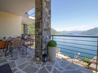 2 bedroom Condo with Internet Access in Argegno - Argegno vacation rentals