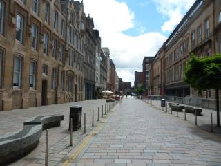 Prime Glasgow City Centre Flat in Merchant City - Glasgow vacation rentals