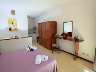 Bright 1 bedroom Resort in Oliveri with Internet Access - Oliveri vacation rentals