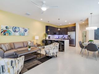 Stylish 3 Bedroom 3 Bathroom Townhome - Clermont vacation rentals