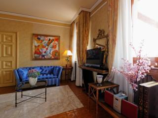 Magnifico  attico zona Bocconi - Milan vacation rentals