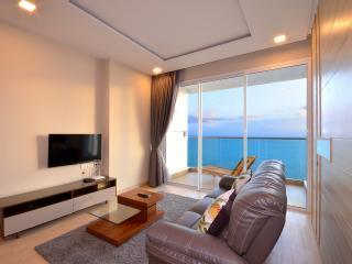 Luxury Beachfront Condo 22nd Floor Amazing Views - Jomtien Beach vacation rentals