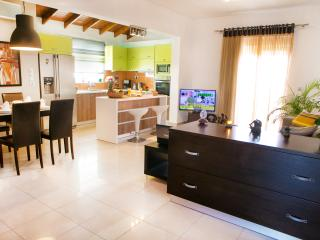 2 bedroom Apartment with Washing Machine in Kremasti - Kremasti vacation rentals