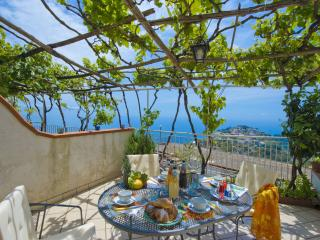 villa at 5 minute from the ravello center, terrace sea view and free parking - Ravello vacation rentals