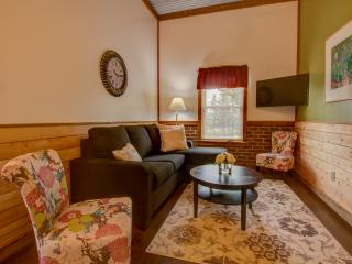 "Abner's Pondside Retreat ""B"" near Coopertown NY - Oneonta vacation rentals"
