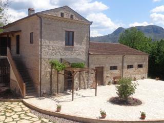 AGRITURISMO IL PIOPPETO - Monolocale 2 posti - Cassino vacation rentals
