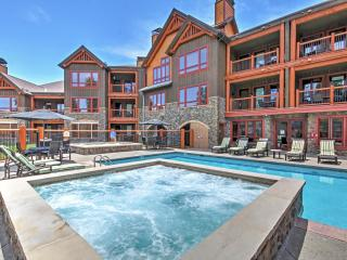 Striking 3BR Breckenridge Condo w/Wifi, Fireplace, & Access to Hot Tubs & Pool - Phenomenal Ski-In/Ski-Out Location Steps from Snowflake Lift! Easy 10 Minute Walk to Downtown! - Breckenridge vacation rentals