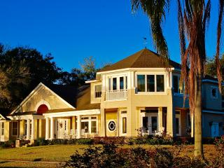 """Lakeside"" in old Winter Park (exclusive 32789zip) - Winter Park vacation rentals"