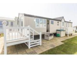 Ref 80010  Horizons Stunning caravan with a full sea view and decking. - Hopton on Sea vacation rentals