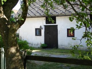 1 bedroom Guest house with Internet Access in Klintehamn - Klintehamn vacation rentals
