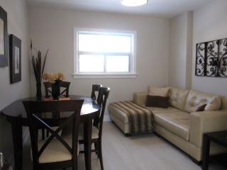 Lakeview Upper - 2 Bed Complete Reno ! - Mississauga vacation rentals