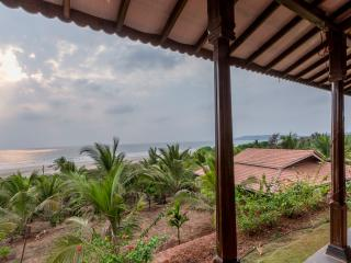 Cozy 2 bedroom Villa in Ganpatipule with Internet Access - Ganpatipule vacation rentals
