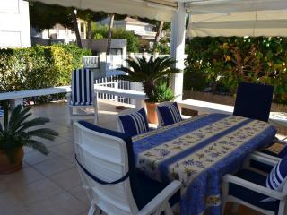 Semidetached house with garden - Puerto de Alcudia vacation rentals