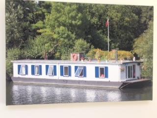 Cozy 2 bedroom Windsor Houseboat with Water Views - Windsor vacation rentals