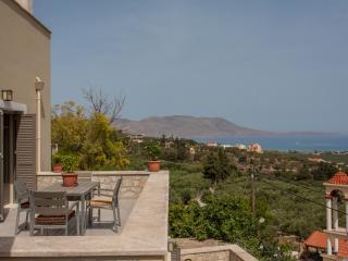 Villa Bilio , June offer,great view ,luxurius ap. - Drapanias vacation rentals