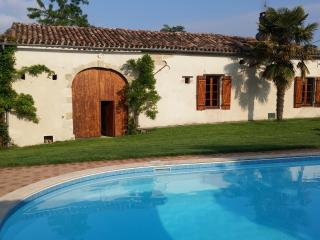 Gite Quietude, Monteton, Lot Et Garonne, France - Monteton vacation rentals
