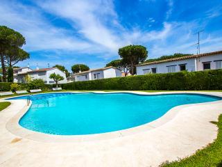 Mystical 3-bedroom condo for 6  in Platja d' Aro! - S'Agaro vacation rentals