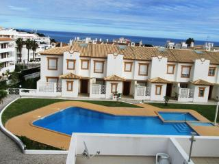 Magnifico  Apartamento T2-Condominio c/piscina - Olhos de Agua vacation rentals