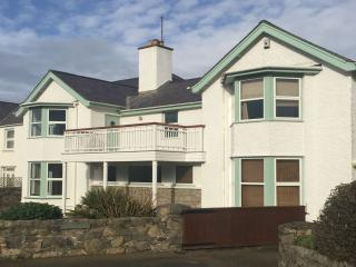 Beach House Apartment - 403485 - Rhosneigr vacation rentals