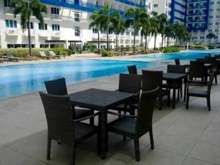 Fully-Furnished Condo with Balcony For Rent - Manila vacation rentals