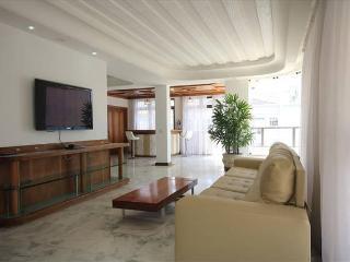 Penthouse 350m² 3BR Copacabana - Rio de Janeiro vacation rentals