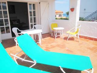 1096 Attic to few meters of the beach in Llançà - Llanca vacation rentals