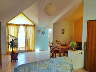Casa Vacanze a Bova Marina a pochi passi dal mare - Bova Marina vacation rentals