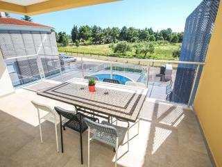 Apartment with pool (A6) - Funtana vacation rentals