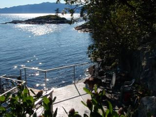 Perfect 2 bedroom Halfmoon Bay House with Fireplace - Halfmoon Bay vacation rentals
