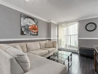 Modern Coal Harbour Apartment: 3 Beds + 2 Bath - Vancouver vacation rentals