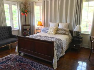 Treetop Room in The White House - Clarksdale vacation rentals
