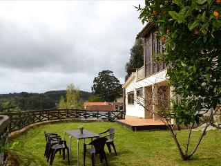 Lovely rural stone house with panoramic view - El Ferrol vacation rentals
