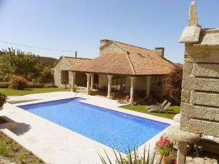 Luxurious villa with swimming pool in Pontevedra - Borela vacation rentals