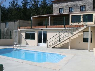 Charming, spacious house with pool and barbacue in Santiago de Compostela - Brion vacation rentals