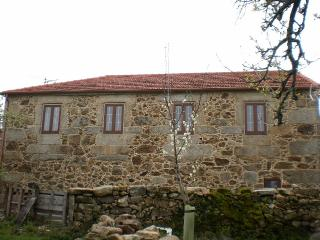 Peaceful and charming stone house in Ourense - Muinos vacation rentals