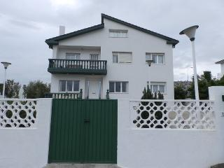Comfortable House with Waterfront and Television - Foz vacation rentals