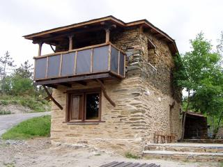 "Cozy mountain cottage in idyllic environment in Ribeira Sacra"" - Pobra do Brollon vacation rentals"