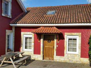 Cozy holiday home in a lovely environment near Coruña - Oleiros vacation rentals
